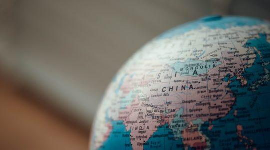 Čína hrubo zasiahla do slobody Hongkongu, Lexmann zmobilizovala politických lídrov zcelého sveta